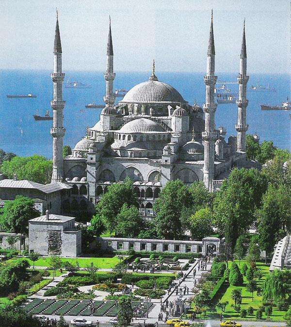 أكبر مساجد العالم .. أقدم مدن العالم :╣ و حضــــارة blue-mosque-sultan-a
